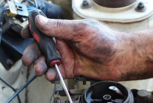 hand, mechanic, carburetor